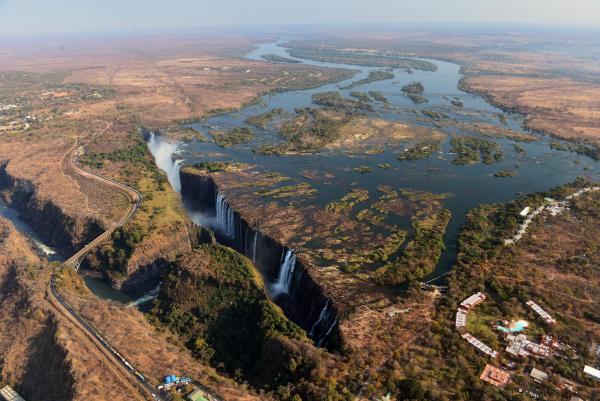 victoria falls zambezi zimbabwe