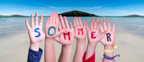 children hands building word sommer means