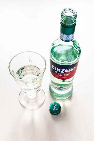 open, bottle, of, cinzano, extra, dry - 28519020