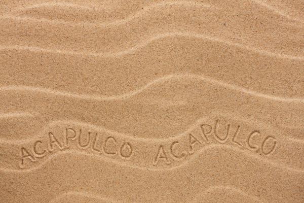 acapulco inscription on the wavy
