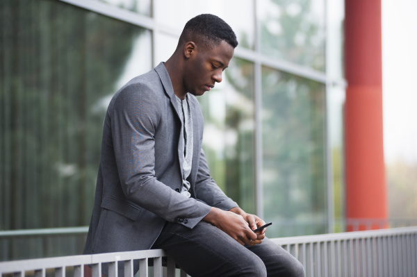businessman, using, smartphone - 28746331