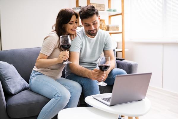 virtual, wine, tasting, using, laptop., online - 28767052