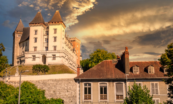 castle of pau in pyrenees