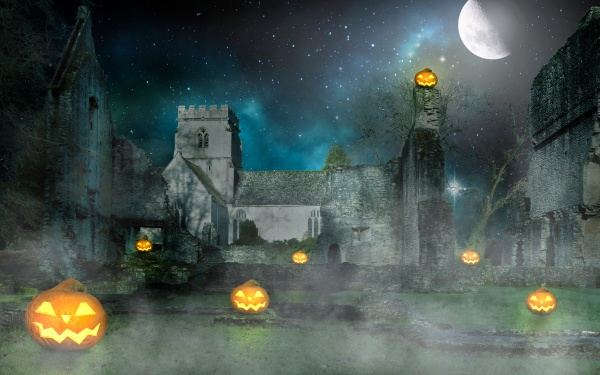scary halloween pumpkin lanterns in front
