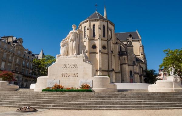 saint martin church and war memorial