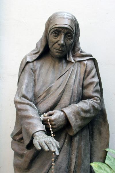 statue of mother teresa in mother