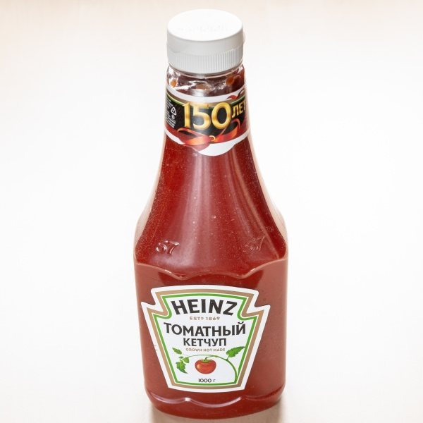 plastic bottle of heinz tomato ketchup