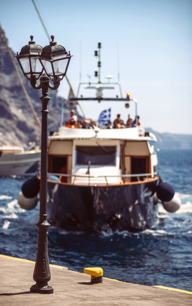 greece cyclades santorini boat arriving the