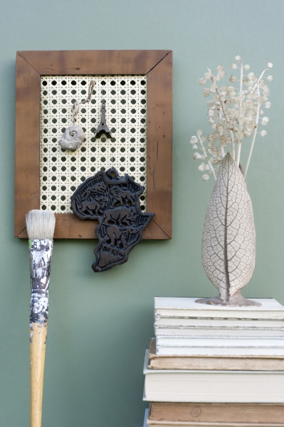 diy picture frame with wicker rack