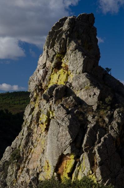 cliff in el salto del gitano