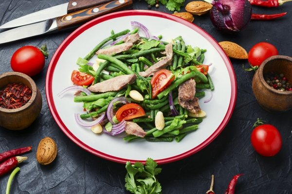 meat salad with asparagus beans and