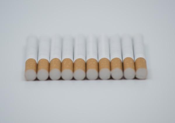 smoking cigarettes and nicotine addiction