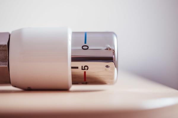 heating costs heat regulator on