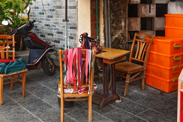 street sewing workshop in china