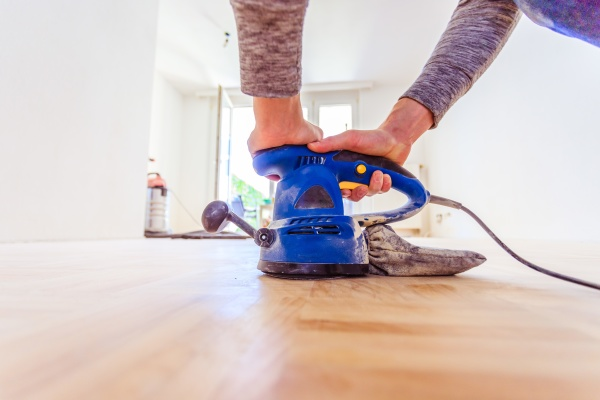 renovating at home sander tool