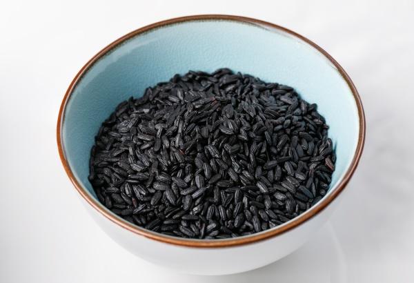 black chinese rice on bowl