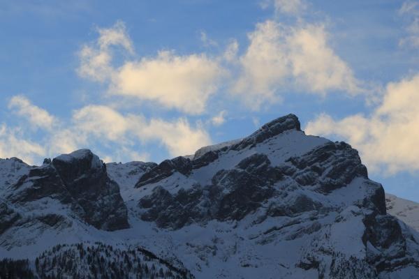 sun lit clouds over mount schlauchhorn