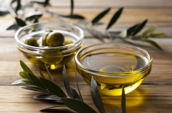 olive oil on a wooden background