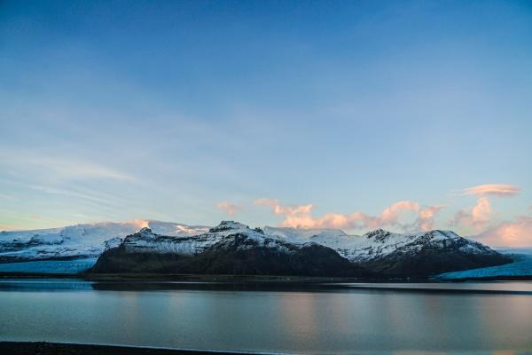 iceland fjallsarlon lake snow mountain of