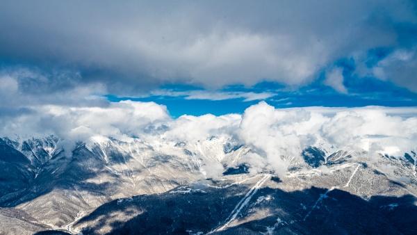the mountains in krasnaya polyana sochi