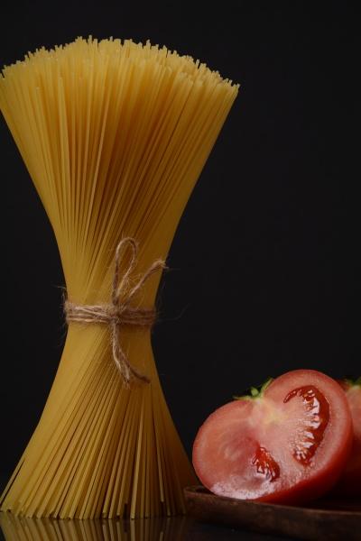 uncooked spaghetti italian food ingredients