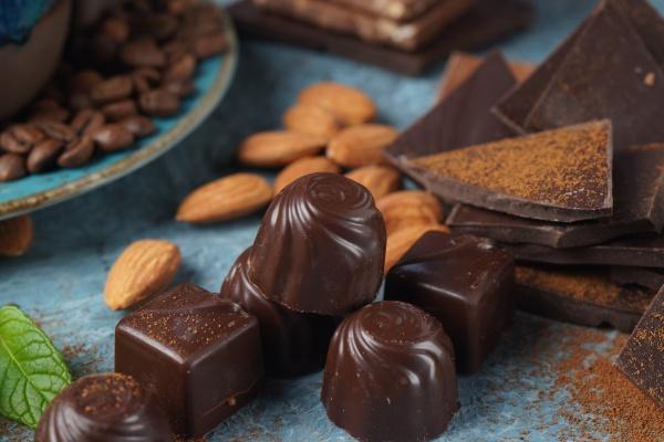 chocolate sweets chocolate bar pieces