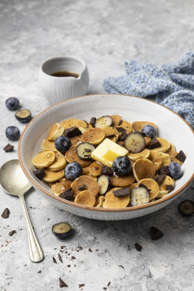 pancake cereal with blueberries chocolate butter