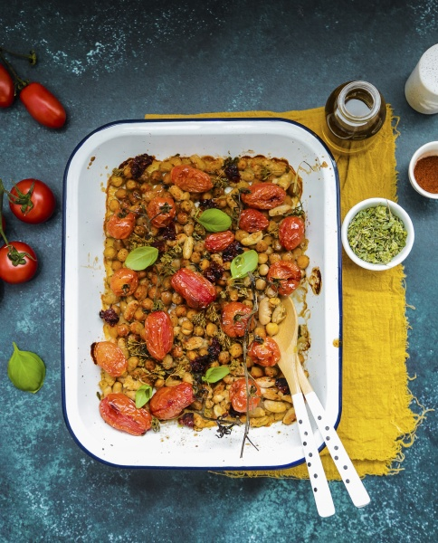 baked beans and chickpeas with peppers