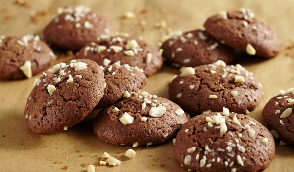 chocolate biscuits with chopped nuts for