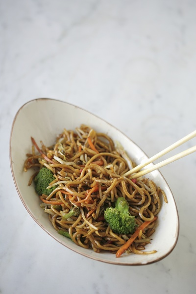 fried noodle with vegetables