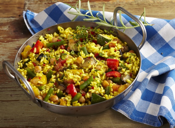 vegetarian paella with vegetables