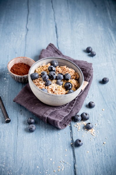 porridge with cocoa and blueberries