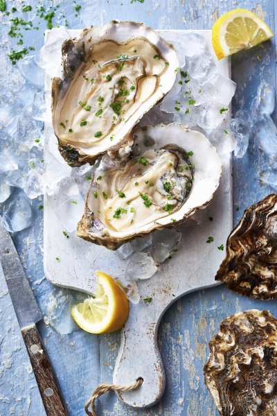 west mersea oysters with ice parsley