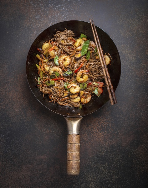chinese soba stir fry noodles with