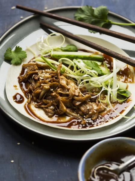 vegan chinese jackfruit duck style