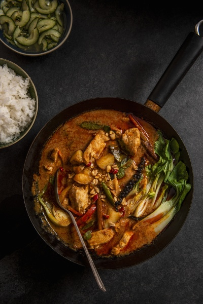 thai massaman chicken curry with peanuts