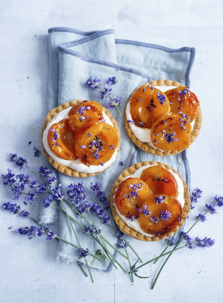 tartlets with caramelized apricots and lavender
