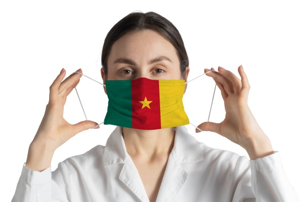respirator with flag of cameroon doctor