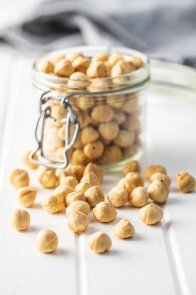 peeled roasted hazelnut kernels