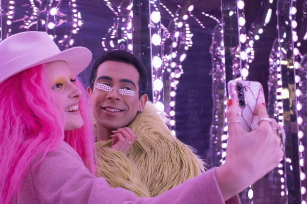 eccentric, fashionable, couple, taking, selfie, with - 30220621