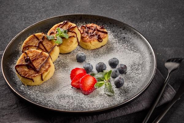 russian cottage cheese pancakes syrniki