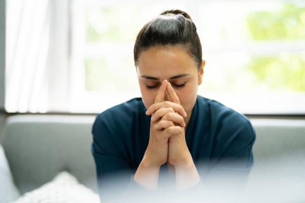 christian prayer woman praying