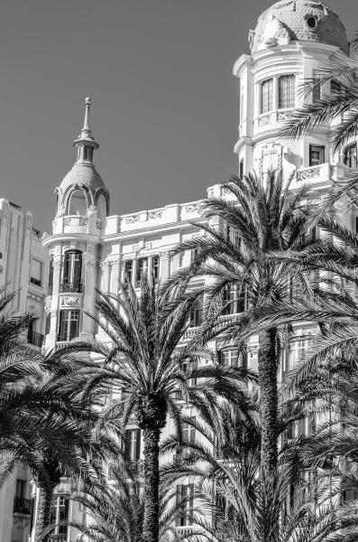 architecture in alicante spain black and