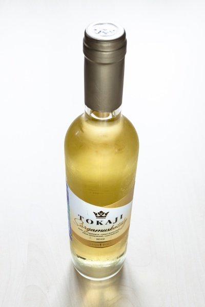 closed, bottle, of, hungarian, sweet, wine - 30527723