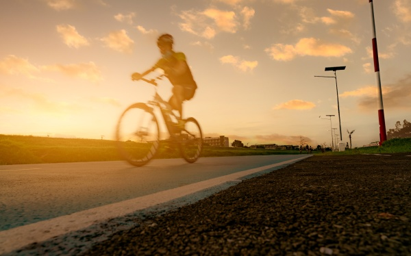 motion blur sports man ride bicycles