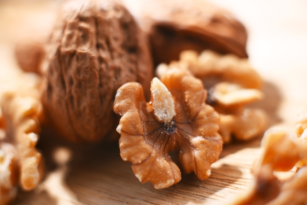 composition with walnuts shellless and in