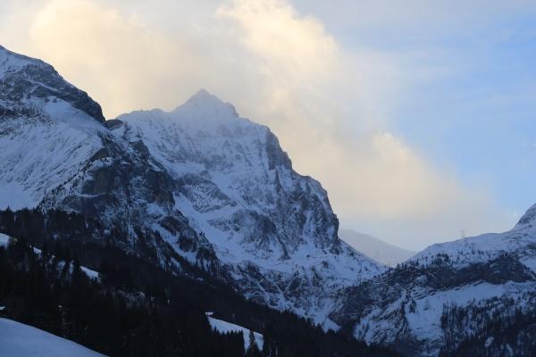 arpelistock mountain seen from gsteig bei