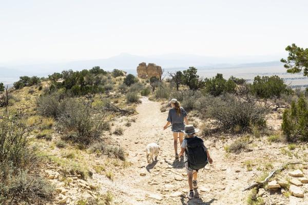 children hiking on chimney rock trail