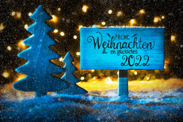 christmas tree lights snow glueckliches 2022