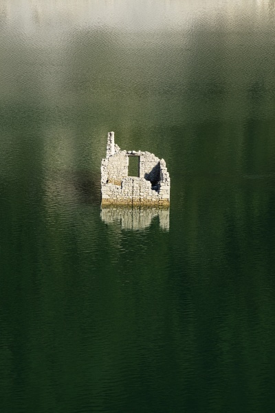 the house into the lake